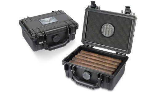 Guardsman Travel Black Cigar Humidor Capacity 10-15 Cigars